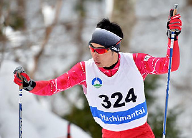 中学校男子5キロフリー 力強い滑りで1位となり、総合優勝も果たした鈴木塁(一戸)=八幡平市・田山クロスカントリーコース
