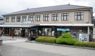 解体と同規模新築にかじを切った遠野駅舎。中心市街地のシンボルとして外観は最大限配慮する