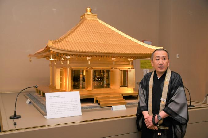 修理の検討資料として作られた縮尺5分の1の金色堂復元模型