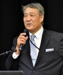 菊池雄星投手の歩みを紹介する父雄治さん