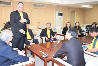 タイからの観光誘客に期待を込めるタナポン・シーワラッタナポーン会長(左から3人目)