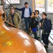 本格ビール、米記者感心 盛岡・ベアレン醸造所取材