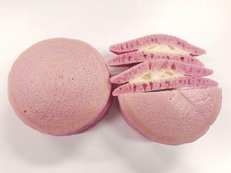 ファミマの「うまいパン決定戦」に参加する白石食品工業の「りんごパンケーキ」