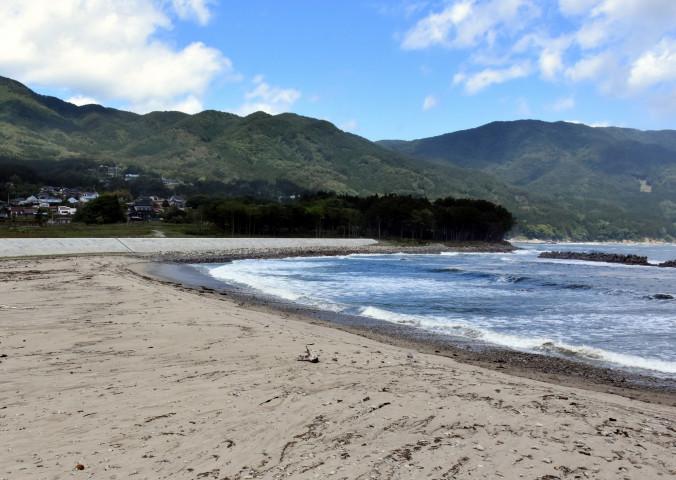 震災後初めての海開きが決まった吉浜海水浴場