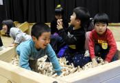 「きぼう」がいっぱい! 釜石・鵜住居幼稚園に木製遊具