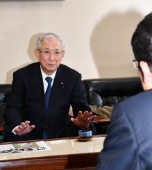 国際リニアコライダー誘致へ「合意形成を得る努力をしていく」と語る井上義久副代表
