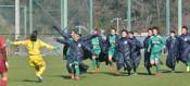 専大北上が県勢初勝利 サッカー全日本高校女子選手権