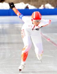 女子1500メートル 自己ベストに迫る2分17秒90で23位に入った沢野心想(盛岡農)=福島県郡山市・磐梯熱海スポーツパーク郡山スケート場