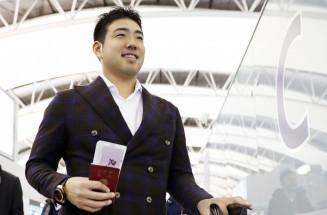 米国へ向け出発するマリナーズの菊池雄星投手=3日、関西空港
