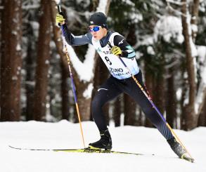 複合 後半距離、順位を一つ上げて7位入賞を果たした谷地宙(盛岡中央)=秋田県鹿角市・花輪スキー場