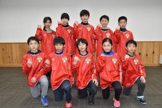 全国小学生タグラグビー選手権大会決勝大会に出場する赤石RED CARLOSのメンバー