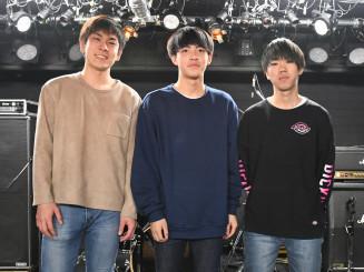CDデビューするファニーシンクの(左から)吉田健人さん、金野一晟さん、森亨一さん