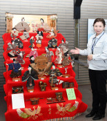 桃の節句彩る人形 花巻新渡戸記念館で展示