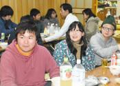 盆踊り縁に陸前高田移住へ 県外の若者男女3人