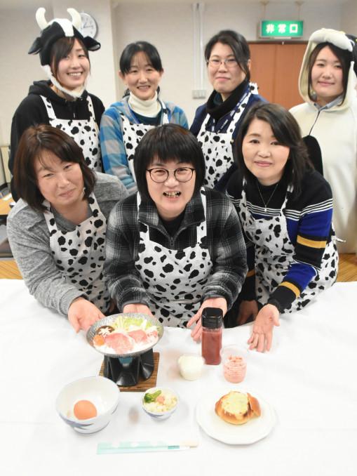 乳製品を使ったメニューと開発した乳製品研究会のメンバー