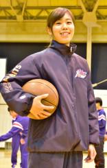 「感謝の気持ちを表して、みんなに応援される選手になりたい」と意気込む千葉歩さん