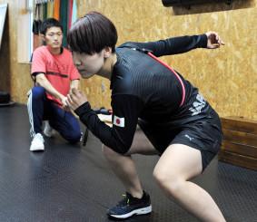 「W杯の表彰台に上がり続けたい」。来季に向け、陸上でのトレーニングにも熱が入る曽我こなみ(日本ハウスH&R)=紫波町