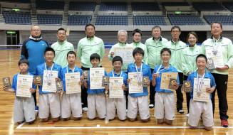 男子団体で準優勝に輝いた本県チーム