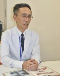 「心筋梗塞の前兆を感じたら、躊躇(ちゅうちょ)せず循環器内科の受診を」と呼び掛ける伊藤智範医師