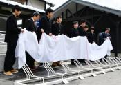 三鉄津軽石駅、駐輪スムーズに 高校生がスタンド整備