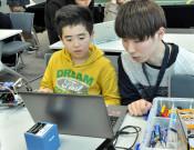 県立大生がロボット教室 9月に正式開講へ準備着々