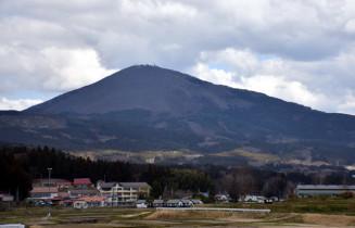 14日に県内トップを切って山開きが行われる室根山