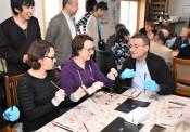 漆の美しさ学びたい スイスの宝飾職人が八幡平市訪問