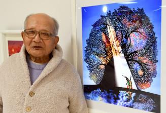 「見る人に命、愛、夢、生きる喜びを感じさせるために描いている」と語る藤城清治さん