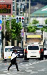 盛岡の年平均気温が最高となった2015年。8月に最高気温38・6度を記録した釜石市では熱気が立ち上り、景色が揺らぐ「かげろう」が見られた