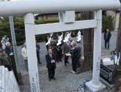 91年ぶり鳥居再建 八幡平市・岩手山神社新山宮