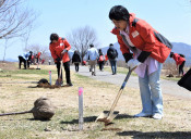 目指せ千本桜 安比で観光客植樹