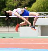女子走り高跳び、八重樫(黒沢尻北)県新 県高校総体