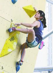 女子予選 2位で決勝に進んだ伊藤ふたばのリード=石鎚クライミングパークSAIJO