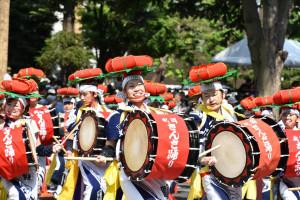 「東北の夏」パレード熱く
