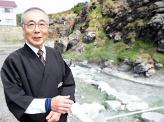 「栗駒山にはたくさんの魅力がある」と語る佐々木啓二さん