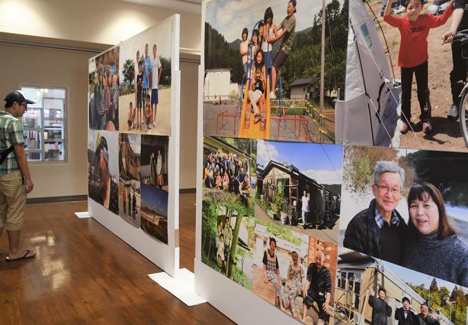 東日本大震災の被災地に生きる人々の笑顔を切り取った写真展