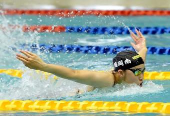 女子100メートルバタフライタイム決勝 力強い泳ぎで頂点に立った西沢七海(盛岡南)