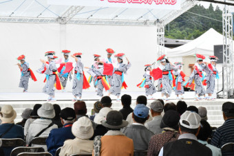 郷土芸能や演歌、バンド演奏で盛り上がったステージ