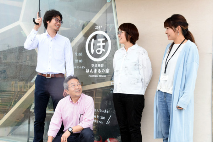 陸前高田ほんまるの(左から)菅野英俊さん、磐井正篤社長、種坂奈保子さん、菅原優さん