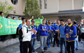 合宿地の遠野市に到着した視覚障害者5人制サッカーのブラジル代表チーム