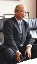 挑戦と工夫で地方経済の可能性は開けると強調する田中一穂総裁