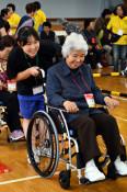 高齢者の生活、体験通し理解 野田中生が交流学習