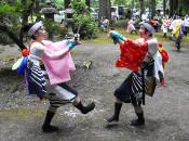 勇壮舞、地域繁栄願う 田山3集落で神社祭典
