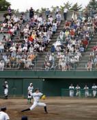 満員の観客、速球にどよめき 大船渡・佐々木投手が初戦