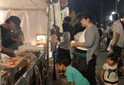 親子連れ、にぎやか 高田町夏祭り