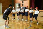 寺島さん夢持つ大切さを伝える 矢作小で教室