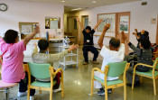 一戸病院、認知症デイケア好評 県立初、センター開設