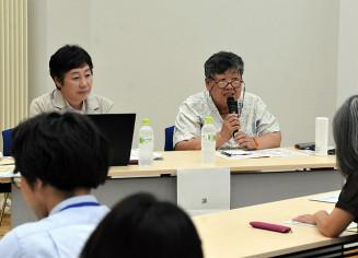 子ども食堂の役割や運営方法などについて説明した高野美恵子さん(右)、川守田栄美子さん