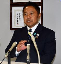 「車いすの視点で国政に声を届けたい」と決意を語る横沢高徳氏