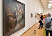 写実絵画の極致 ホキ美術館展盛岡で開幕